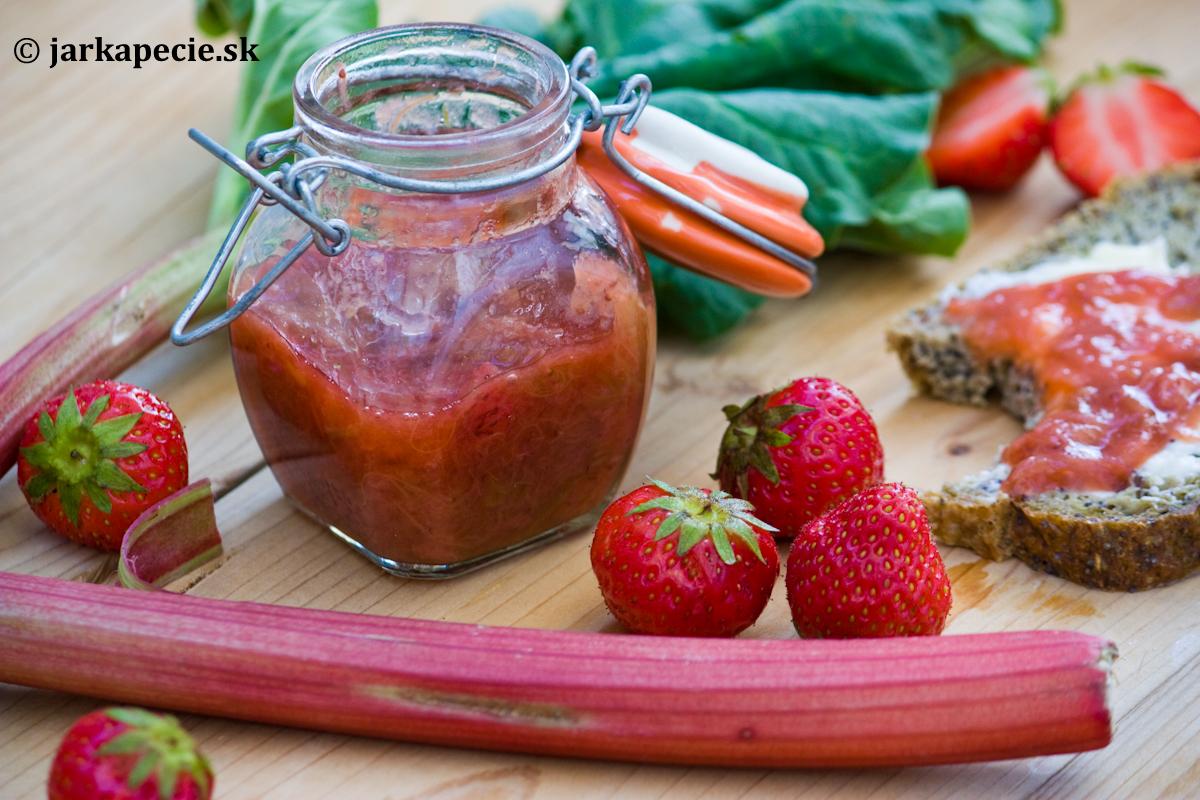 Pečený rebarborovo – jahodový džem