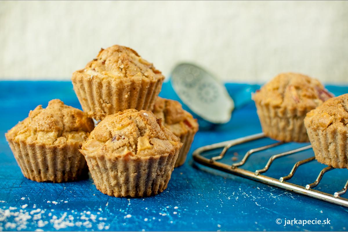 Jablkové muffiny s marcipánom