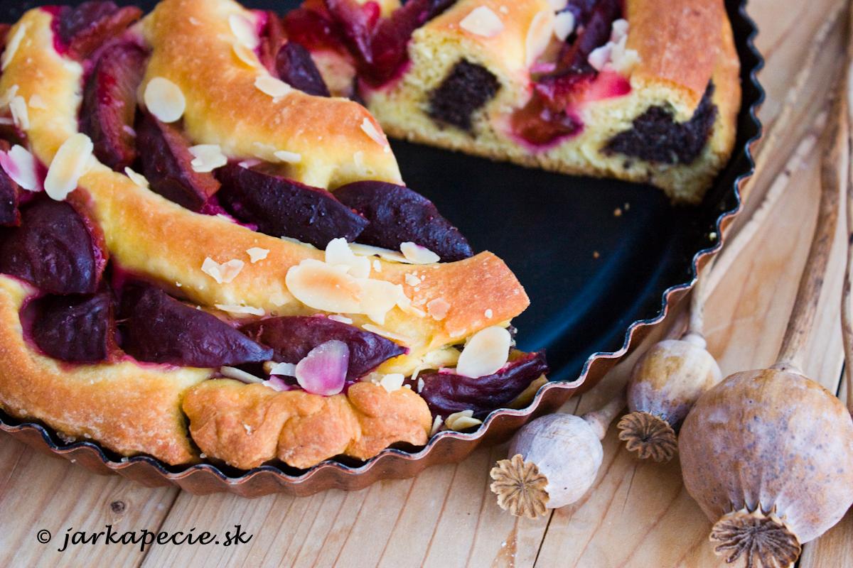 Slivkový točený koláč