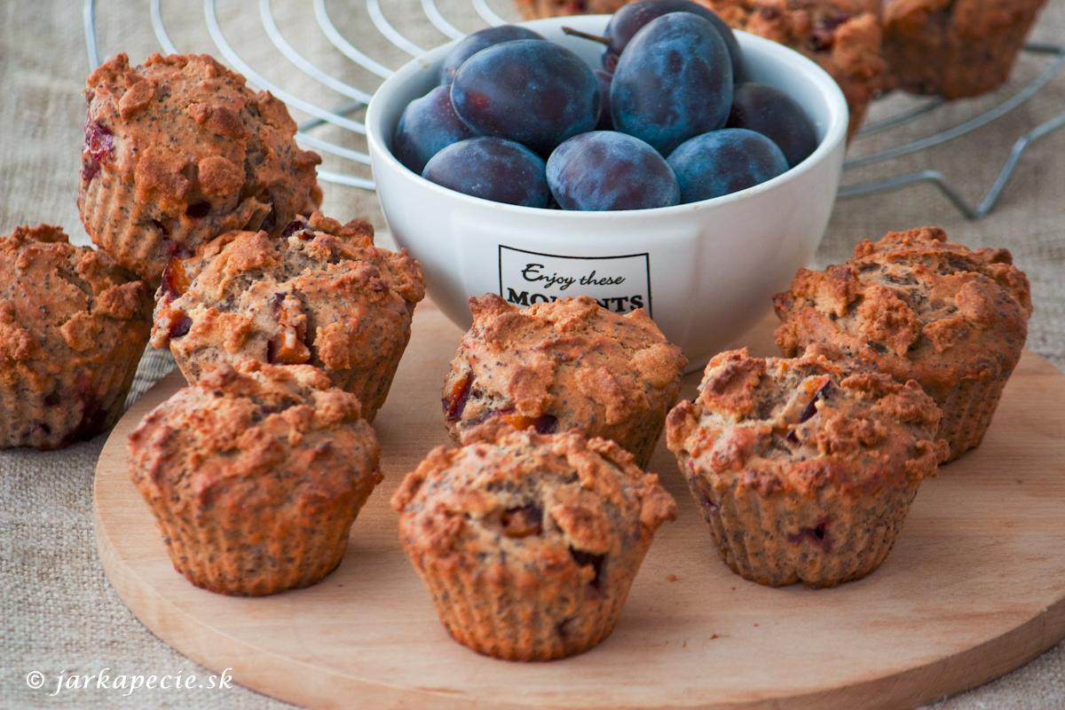 Slivkovo – makové muffiny s marcipánom