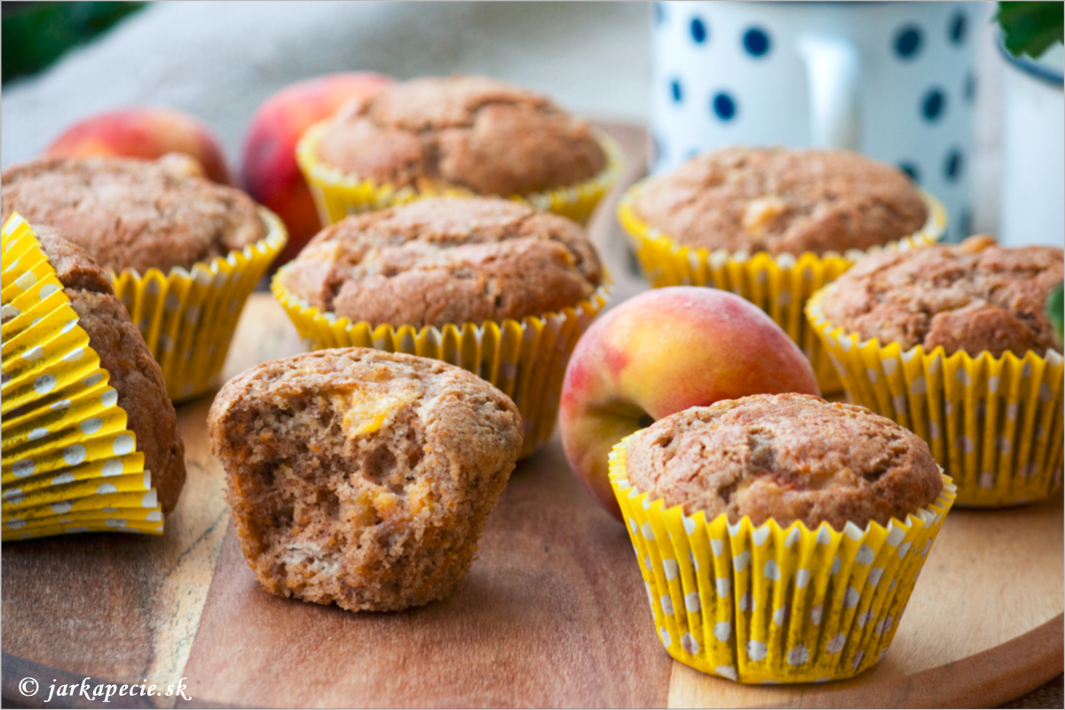 Muffiny s broskyňami – bez lepku, bez mlieka a laktózy