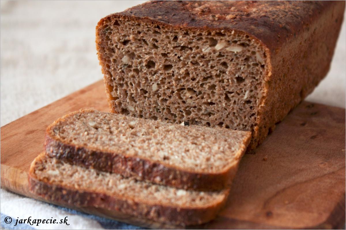 Špaldovo – ražný kváskový chlieb